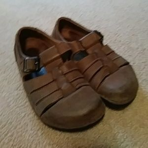 Birkenstock 39. L8, M6 Leather Fisherman